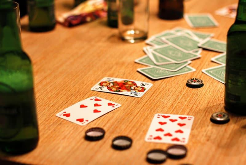 Træn din taktiske og strategiske sans med kortspil